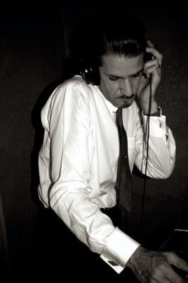 """DJ Tom LGs """"Atom & Evil"""" Atomic Record Hop & Swing Dancing"""
